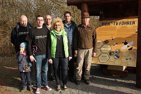 Hauptakteure zur Herstellung des Bienenfernsehers